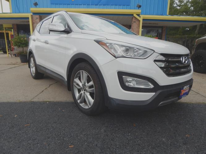 2013 White /Tan Leather Hyundai Santa Fe Sport 2.0 FWD (5XYZU3LA6DG) with an 2.0L L4 DOHC 16V engine, 6-Speed Automatic transmission, located at 3120 W Tennessee St, Tallahassee, FL, 32304-1002, (850) 575-6702, 30.458841, -84.349648 - Photo #0